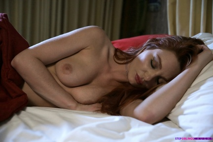 Lacy Lennon - Sleeps Topless